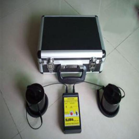מכשיר כיס למדידת מוליכות משטחים