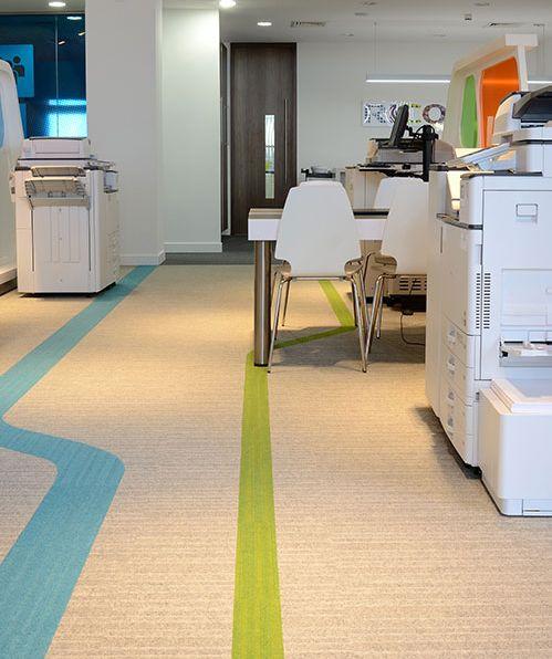 שטיחי אריחים למשרד